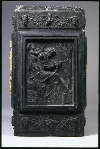 L'évangéliste saint Matthieu, la Charité et la Justice. Élément du monument funéraire d'Emeric Schillinck, chantre de Saint-Lambert de Liège de 1550 à sa mort en 1565