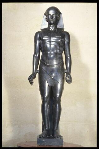 Figure d'homme de style égyptien