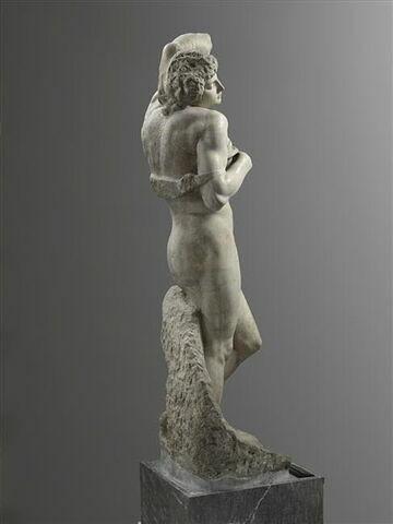 trois quarts dos © 2012 Musée du Louvre / Raphaël Chipault
