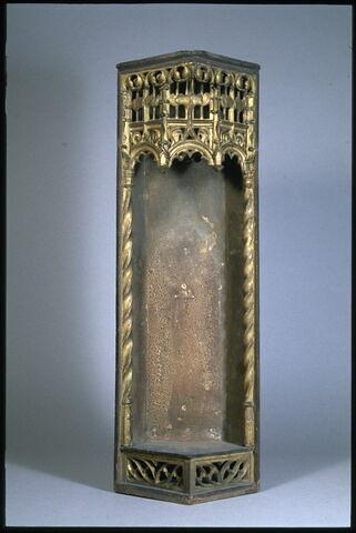 Caisse en bois polychromé composée d'éléments gothiques (?) et modernes (XIXe siècle)