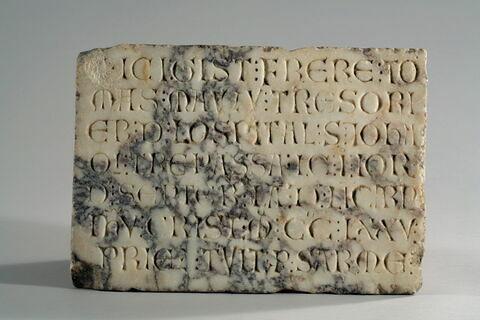 Épitaphe de frère Thomas Mauzu trésorier de l'ordre de l'Hôpital Saint-Jean de Jérusalem (mort le 1er septembre 1275)