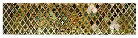 Plaque comportant un réseau de losanges à motifs décoratifs ou héraldiques