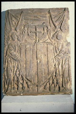 Deux anges soutenant les armoiries du Cardinal Georges 1er d'Amboise