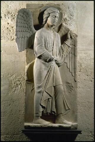 Un ange thuriféraire