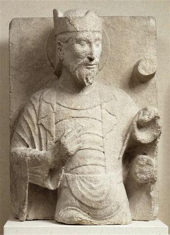 Torse d'homme barbu nimbé et couronné