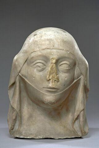Tête de femme avec guimpe et mentonnière