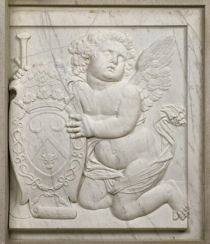 Génie funéraire soutenant les armoiries de Marie Bouhier de Beaumarchais