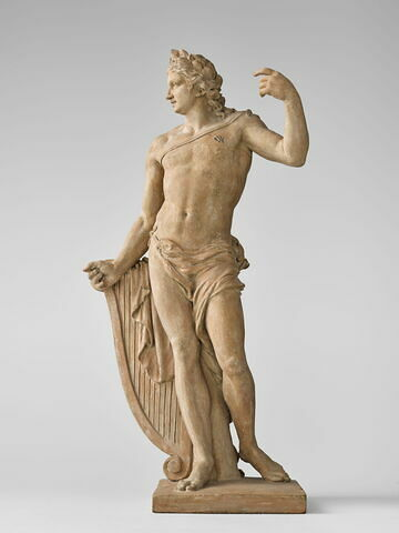 Apollon debout appuyé sur sa lyre