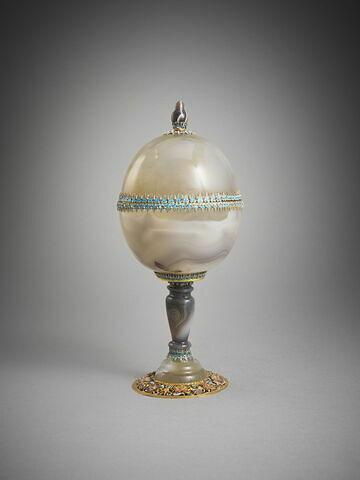 Coupe ronde couverte en agate formée à partir de deux bols