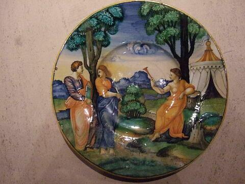 Assiette : Trois figures du Parnasse