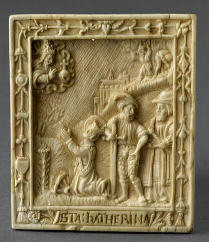 Bas-relief : Sainte Catherine