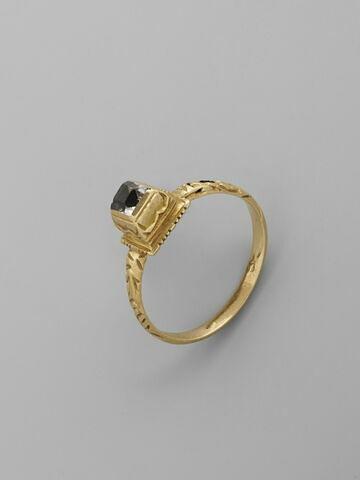 Bague en or émaillé avec diamant ou cristal de roche