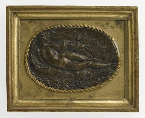 Bas-relief encadré : naïade sur un dauphin