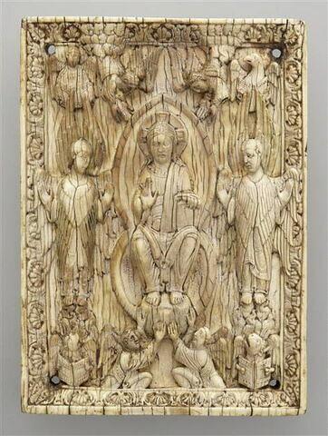 Plaque de reliure : Christ en majesté entouré des symboles des évangélistes.