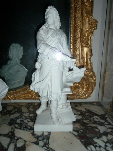 Statuette : Vauban debout