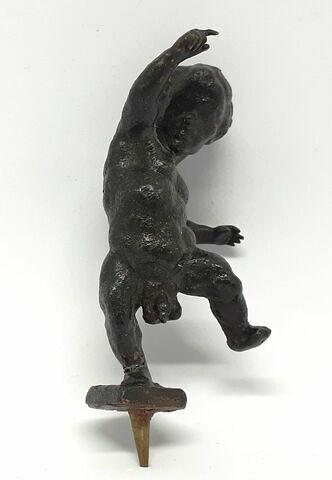 Pygmée dansant