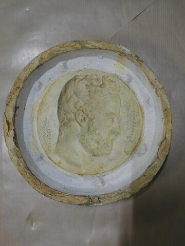 Chapu Moule du médaillon de Edm. Guillaume et épreuve en plâtre (inventaire).