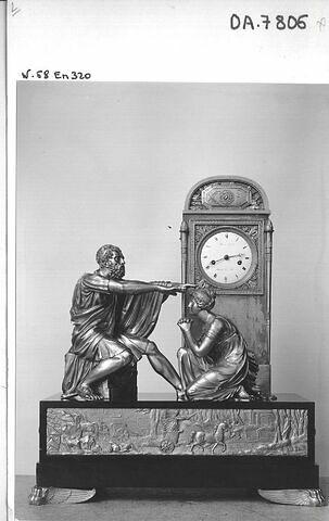 Pendule : Oedipe et Antigone devant la tombe de Laius.