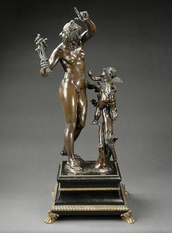 Groupe sculpté : Vénus châtiant l'Amour