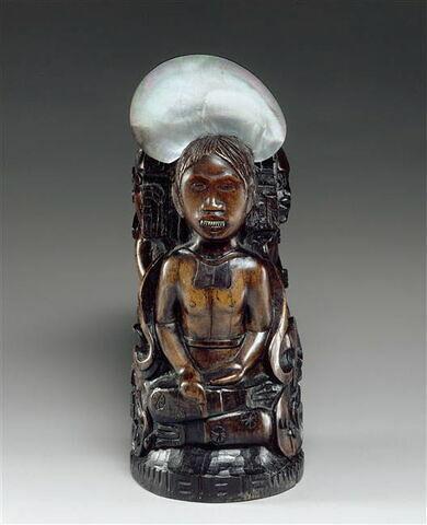 Statuette : L'idole à la coquille.
