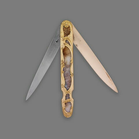 Couteau de voyage à deux lames (or et acier) et à manche en agate herborisée monté en or