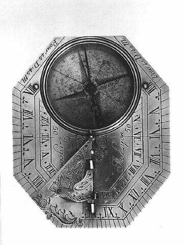 Cadran solaire horizontal de type Butterfield Lyon, milieu du XVIIIe siècle