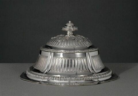 Cloche circulaire, d'un ensemble de quatre (OA 10619 à 10622) du service du roi George III d'Angleterre et de Hanovre