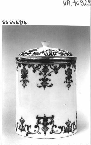 Pot couvert à décor de lambrequins bleus
