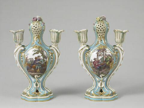 Pot-pourri à bobèche de Louis XV, d'une paire (OA 11305)