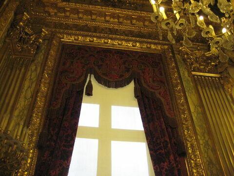 Petite cantonnière (fenêtre ouest)