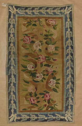 Panneau orné de roses coupées
