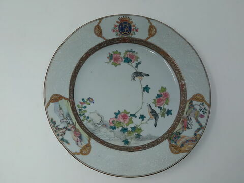 Assiette en porcelaine de Chine d'une paire, au chiffre de Madame du Barry (R 1025 et 1026)