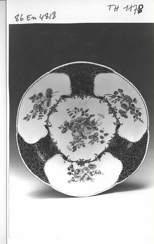 Jatte à feuilles de choux, d'une paire (voir TH 1177).