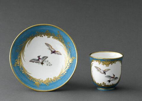 Gobelet calabre et soucoupe, d'une paire (TH 1258)