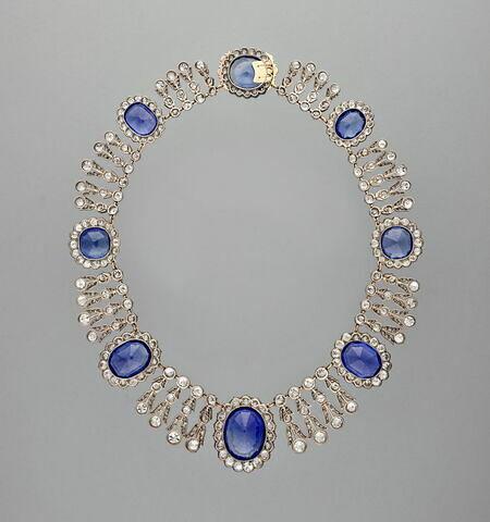 Collier de la parure de saphirs de la reine Marie-Amélie et de la Reine Hortense.  Collier
