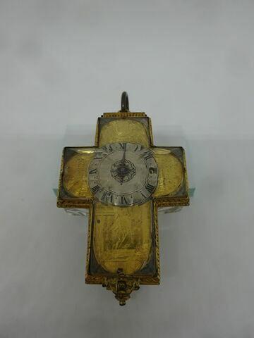 Montre en forme de croix