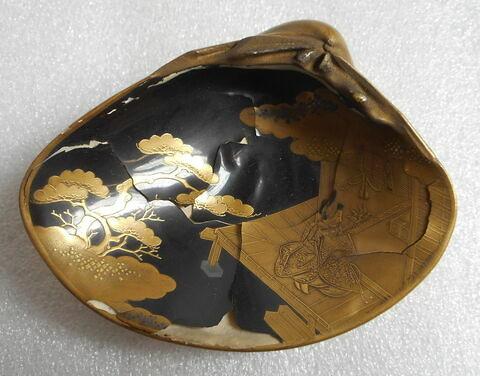 Coquille en ivoire laquée d'or (pendant du R 429)