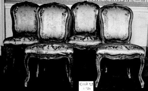 Chaise, d'une série de six (OAR 121 à 126)