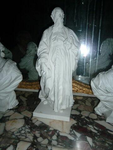 Statuette : M. de l'Hôpital debout.