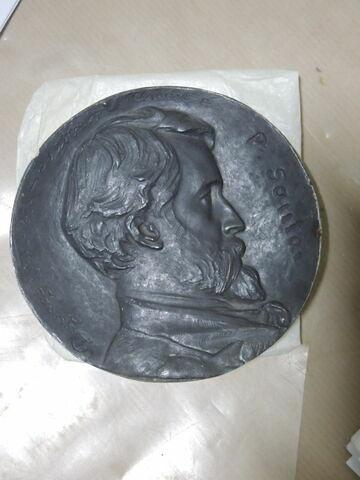 Moule du médaillon de Sautai et épreuve en plâtre (inventaire).