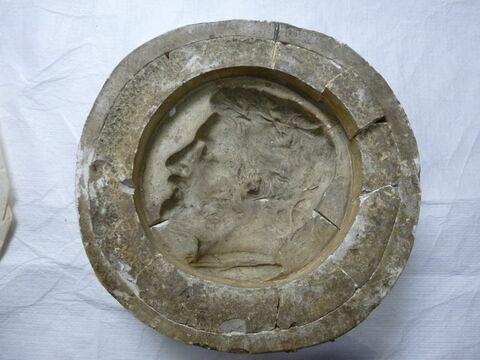 Chaupu : moule en plâtre du médaillon de Bonnat et épreuve en plâtre (inventaire).