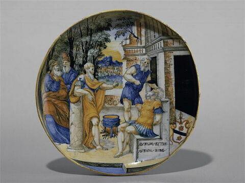 Coupe ronde : Le Supplice de Crassus; Armoiries de la famille des marchands lombards De Valianis