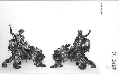 Feu surmonté de la figure de Neptune,d'une paire (avec OA 5147 2)