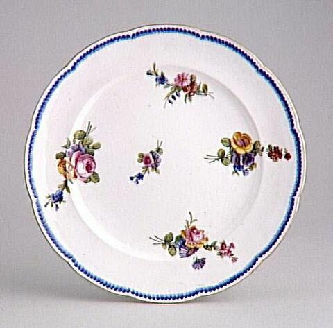 Assiette plate, d'un service de table (TH 731 à TH 808)