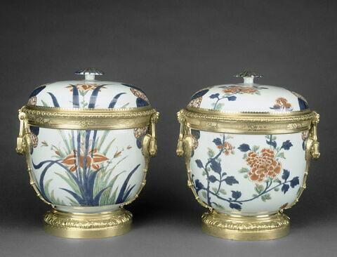 Pot couvert, d'une paire (avec OA 11960)