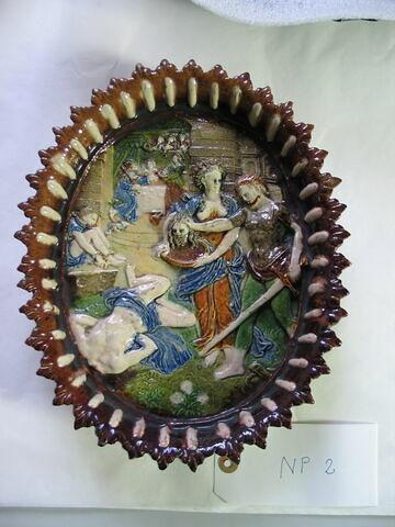 Plat ovale : Décollation de Saint Jean-Baptiste ; Le Banquet d'Hérode en arrière-plan