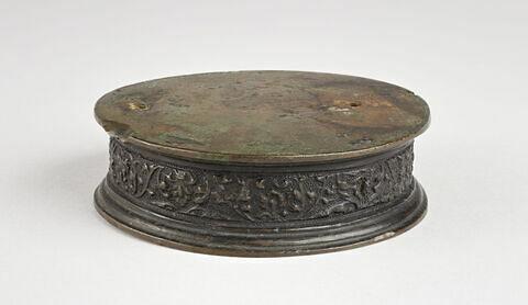 base circulaire en bronze