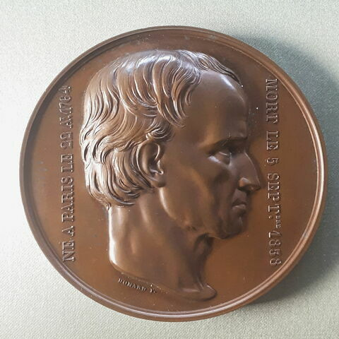 Médaille en bronze avec étui en bois : buste de Charles Percier par Joseph-François Domard