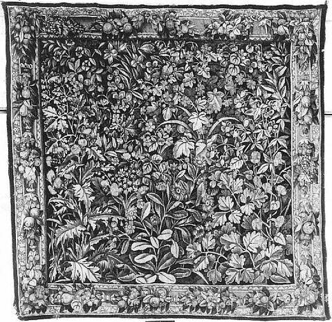 Verdure à fleurs et feuillages, d'une tenture de six pièces