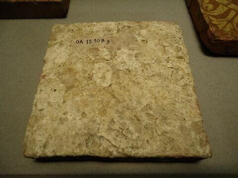 dos, verso, revers, arrière © 2015 Musée du Louvre / Objets d'art du Moyen Age, de la Renaissance et des temps modernes